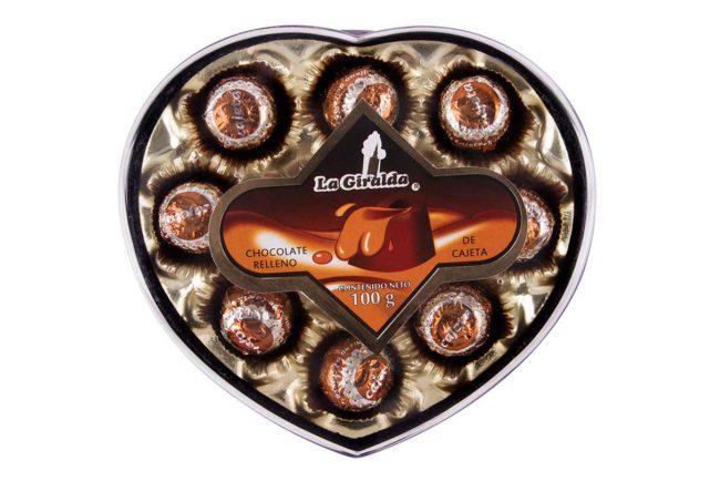 Chocolates en Estuche de Corazón Cajeta La Giralda
